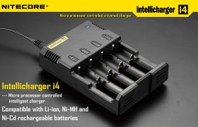 NiteCore Intellicharge i4 V2 batterijlader (AA, CR123 & 18650)