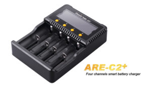 Fenix ARE-C2+ batterijlader