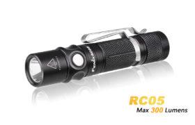 Fenix RC05 oplaadbare LED-zaklamp