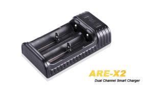 Fenix ARE-X2 batterijlader